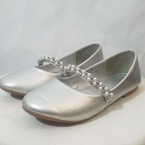 Silver flats dress shoes